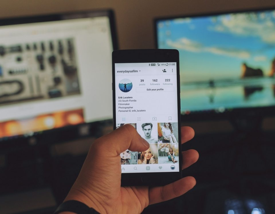 Featured blog post image - How to smash social media as a small business | UnicornThesaurus