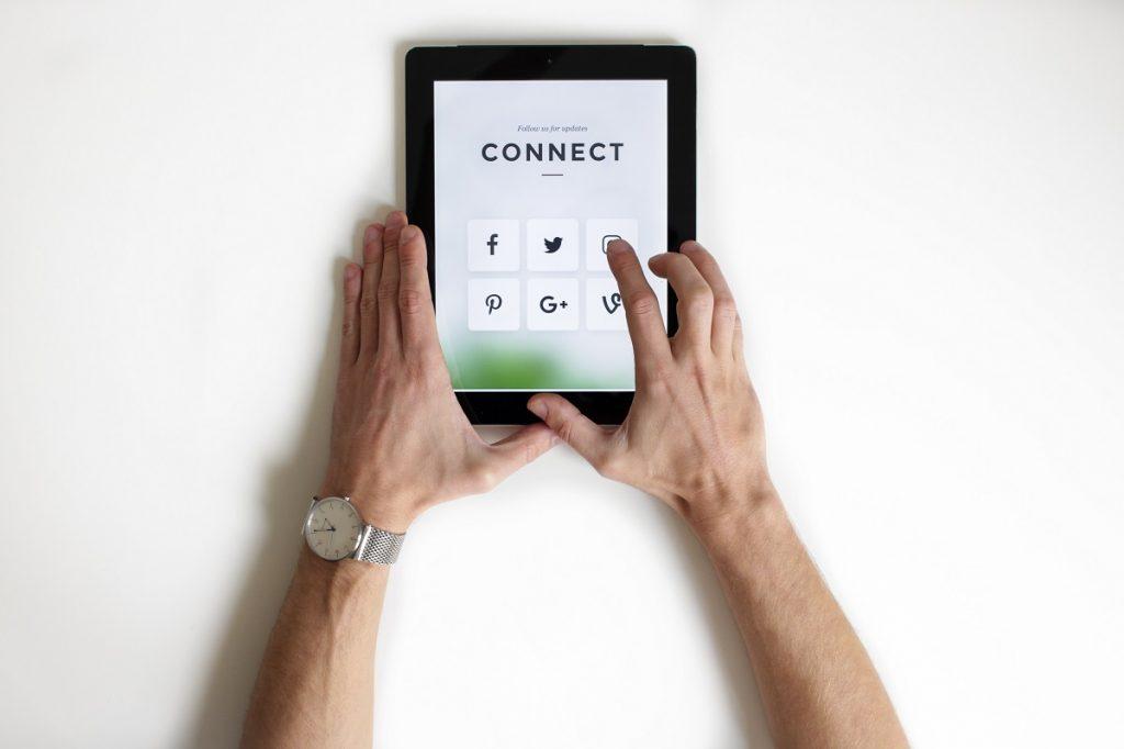 Blog post image - choosing a platform, how to smash social media as a small business   UnicornThesaurus