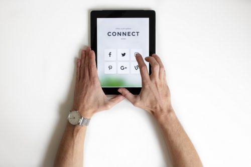 Blog post image - choosing a platform, how to smash social media as a small business | UnicornThesaurus